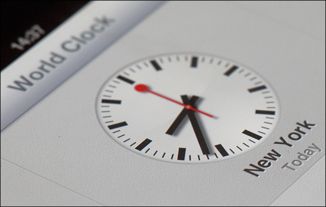 Swiss rail licenses use of iconic clocks to Apple