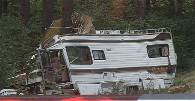 Motorhome vs. tree slows HWY 126 traffic