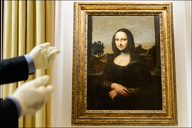 Group claims Da Vinci painted early Mona Lisa work