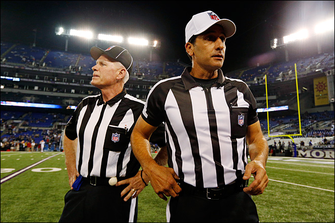 Refs cheered at first NFL game following lockout