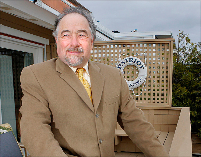 Michael Savage leaves radio show after legal win