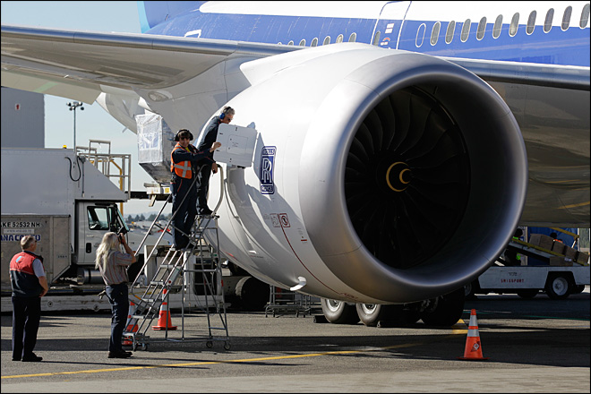 Glitch grounds high-profile Boeing 787 flight to Tokyo