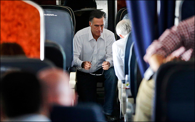 Obama, Romney hunker down for debate prep