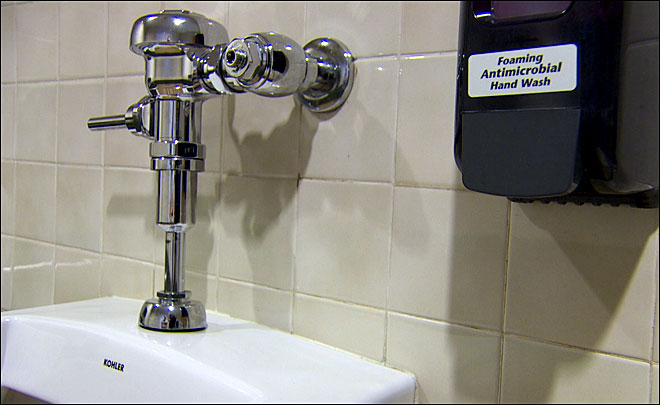 Bathroom bandit: Toilet parts disappearing from restaurants