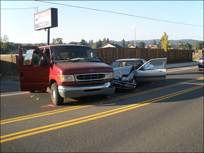Van and sedan collide near Cottage Grove