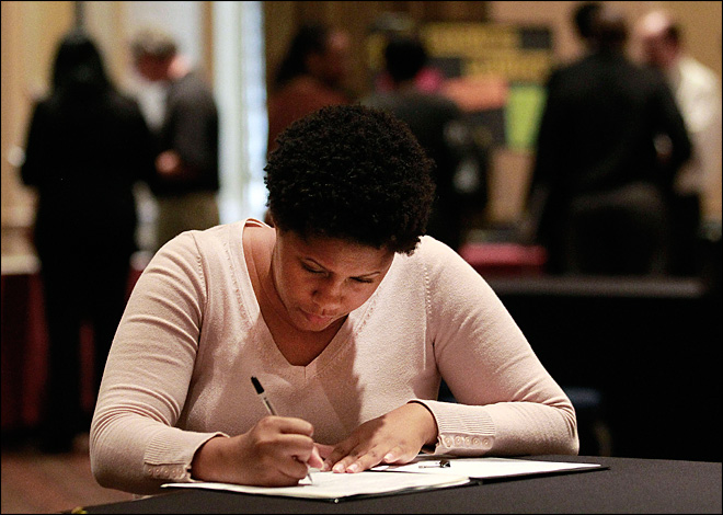 U.S. unemployment aid applications rise to 367,000