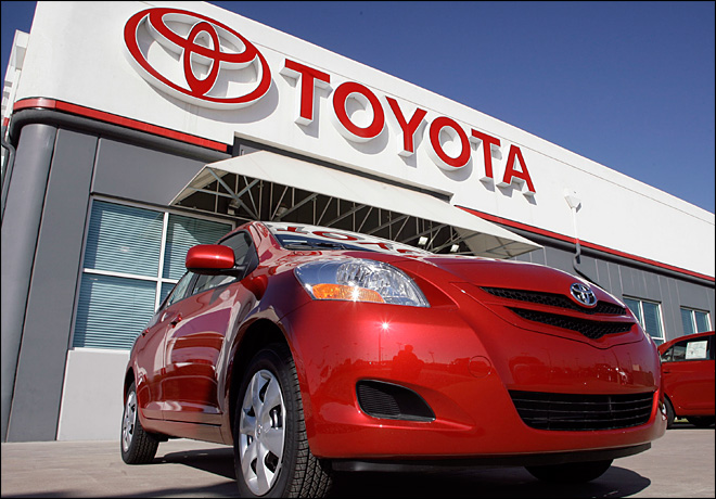 Toyota retakes global auto sales crown from GM