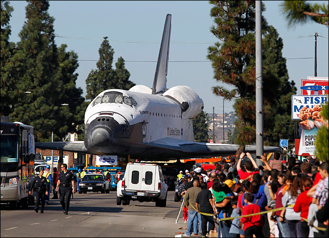 Shuttle finally reaches permanent LA museum home