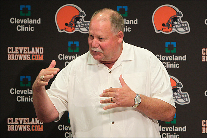 Holmgren ousted as Browns' president by new owners