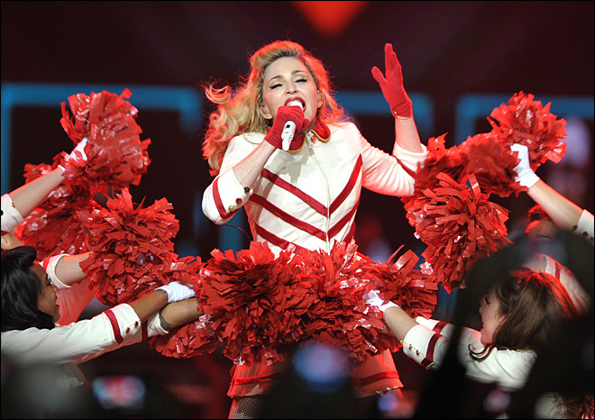 Colo. fans upset after Madonna uses guns in show