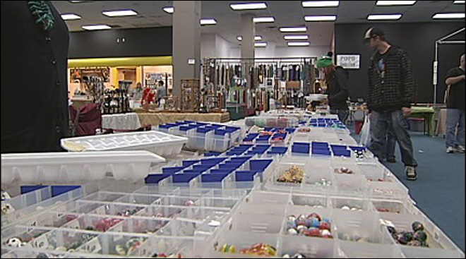 &#39;EuGenius Market&#39; gives small businesses space at the Mall