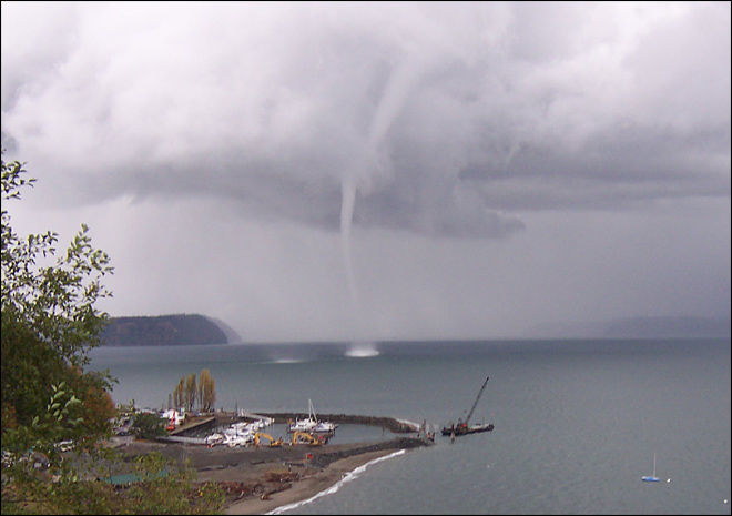 Rare waterspout touches down near Everett