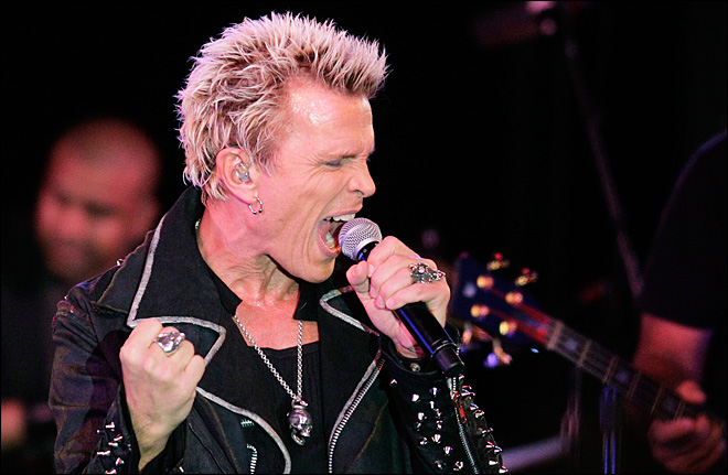 Billy Idol plays Wash. man&#39;s birthday
