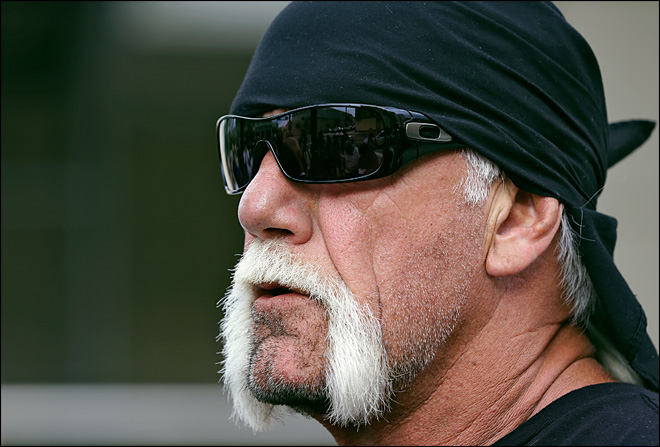 Hulk Hogan settles sex tape lawsuit