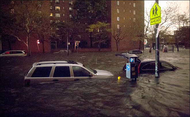 10 dead in NYC as daylight reveals Sandy's devastation