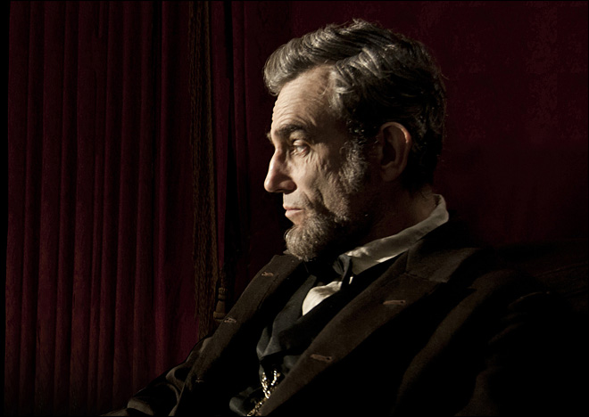 'Lincoln' leads Oscars with 12 nominations
