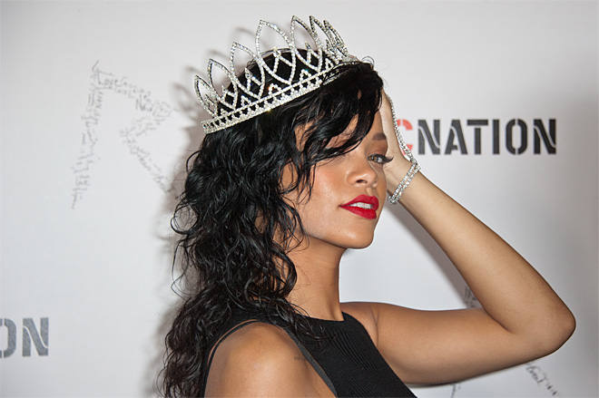 Rihanna Crowed at the West Hollywood Halloween Carnaval