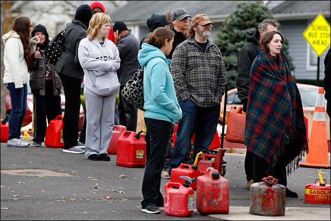 Sandy causes long lines, rising tempers at gas stations