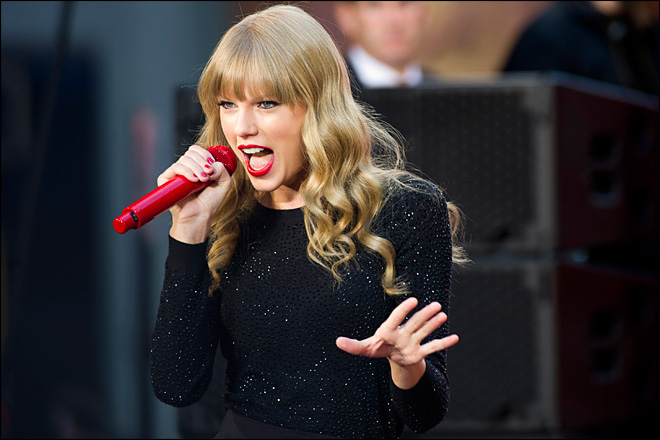 Taylor Swift shocked by &#39;unbelievable&#39; album sales