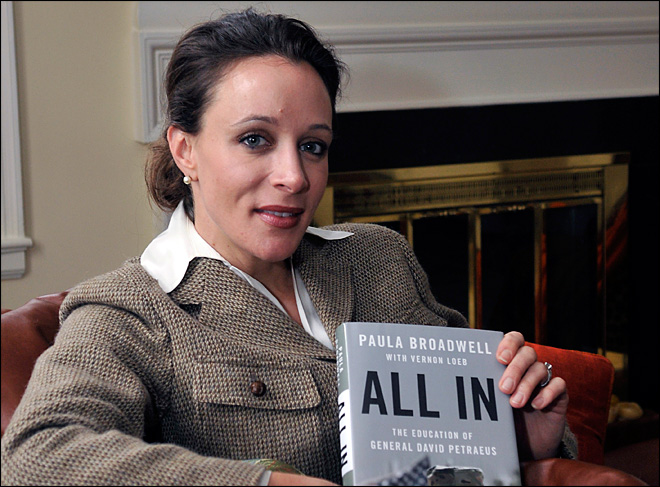 Petraeus mistress won't face cyberstalking charge