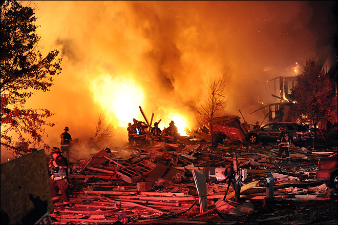 Massive blast kills 2, destroys homes in Indianapolis