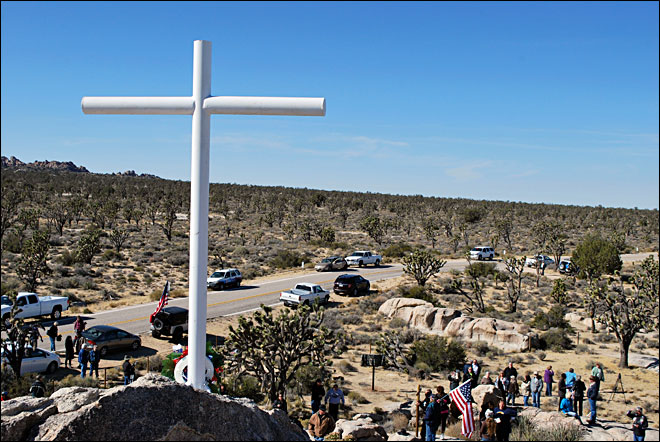 Veterans resurrect Mojave cross war memorial