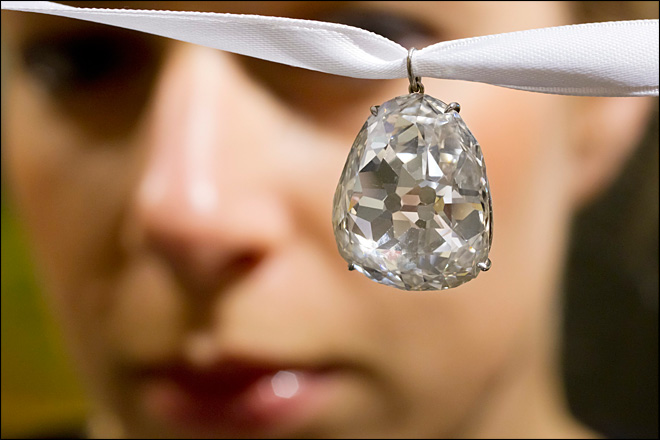 Photos: Giant diamonds to fetch millions at auction