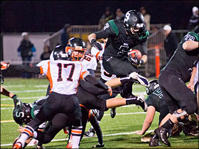Irish prove they are playoff ready with a 52-6 victory over Roseburg