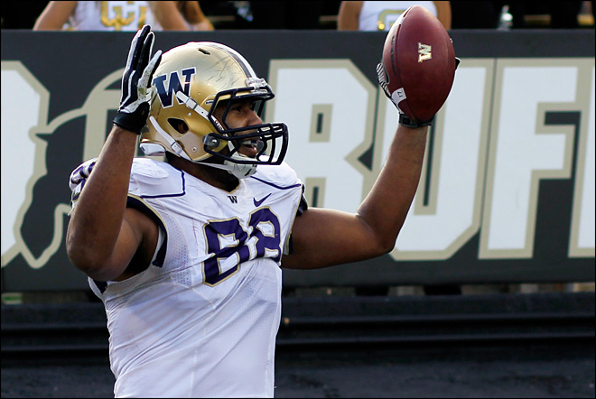 UW clobbers Colorado for fourth straight win