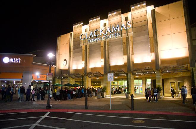 Clackamas Town Center's Midnight Black Friday Opening