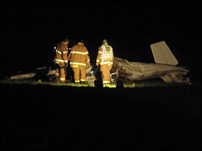 Two die in plane crash after wing comes off in midair