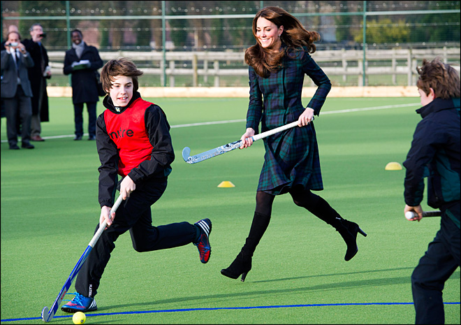 Duchess Kate revisits &#39;happiest&#39; days at school