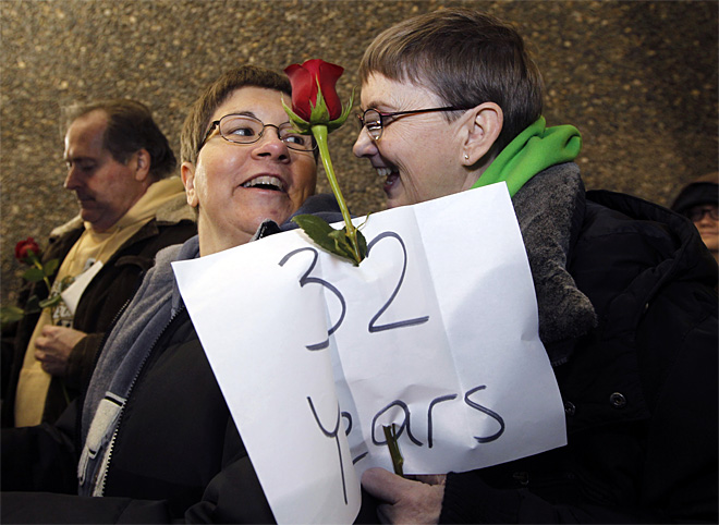 APTOPIX Gay Marriage Midnight Licenses