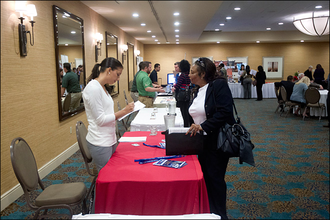 U.S. economy adds 146,000 jobs, rate falls to 7.7 percent