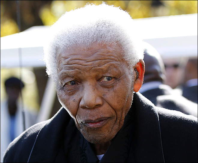 Anti-apartheid icon Nelson Mandela in hospital for tests