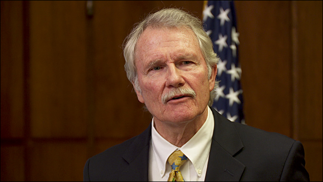 Kitzhaber pulling out the stops to keep Nike expansion in Oregon