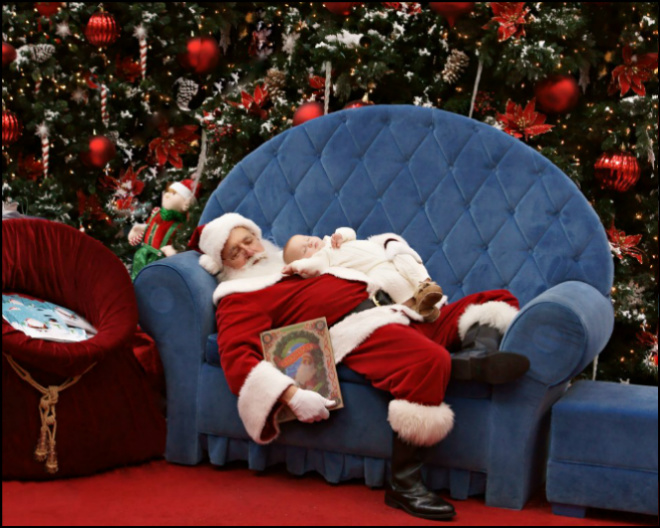 'Sleeping Santa' photo goes viral on Facebook