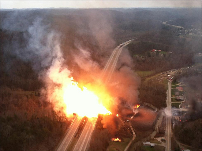 Huge explosion flattens homes in West Virginia