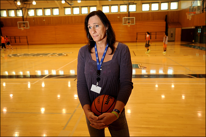 Transgender college hoops player keeps head high
