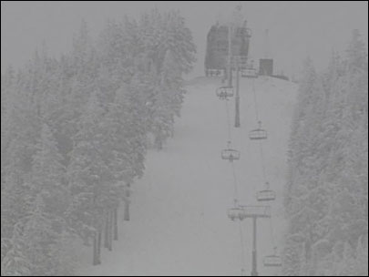 Powder greets skiers as Willamette Pass opens for season