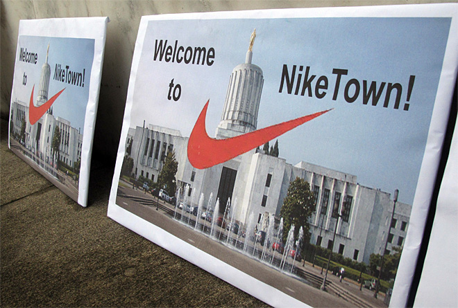 Governor strikes 30-year deal with Nike