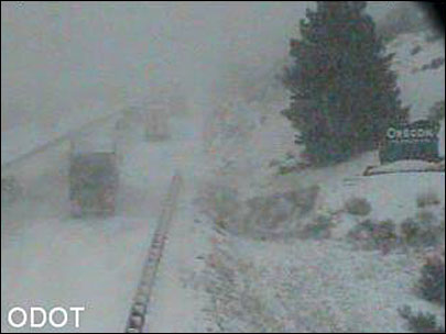 Weather, crashes make a mess of I-5 near Oregon-California border