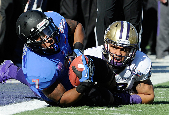 Boise State wins Vegas Bowl, edging out UW