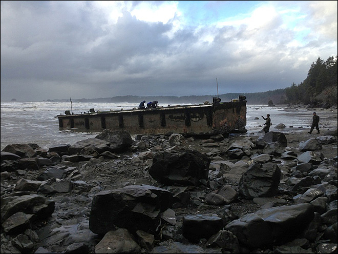 Tsunami debris team reaches dock on rugged Wash. coast