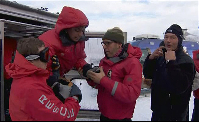 Trio of lost hikers reunited with family after cold night on Mt. Hood