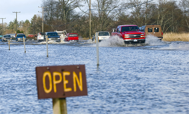 New plan to ease Highway 101 flooding