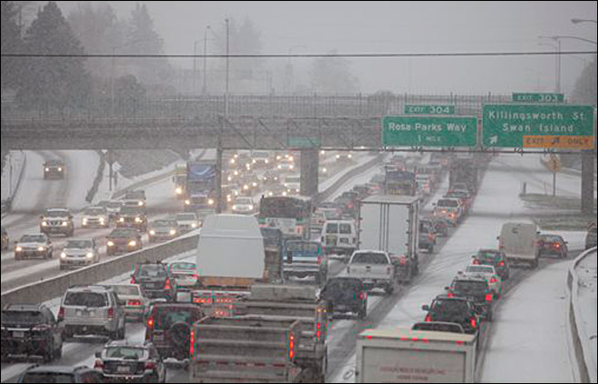 US holiday travelers brace for foul, wet weather
