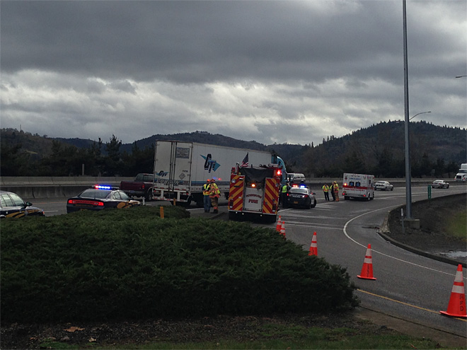 Pedestrian struck by semi, killed on I-5 in Roseburg