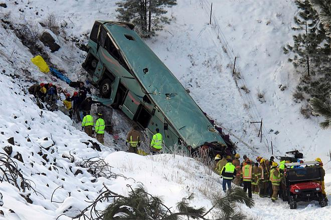 Company in deadly bus crash banned from Canada roads