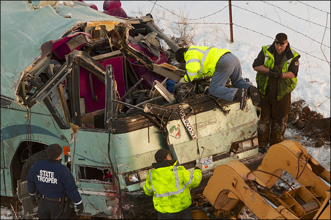 2 survivors of Oregon bus crash file lawsuit